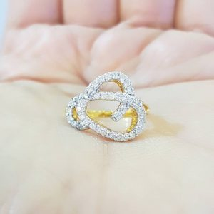 9020022 แหวนเพชรเกลียวหัวใจทรงโมเดิร์น