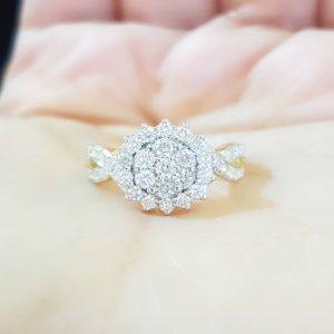 904003 แหวนเพชรกระจุกดอกไม้