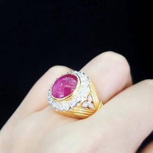9100048 แหวนทับทิมพม่าล้อมเพชร ทับทิมมีใบเซอร์ LAB GEM