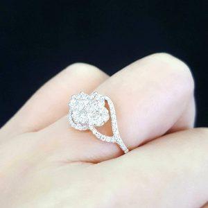 9120018 แหวนเพชรกระจุกดอกไม้ทรงสวย