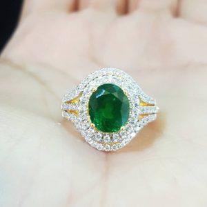 10030027 แหวนกรีนกราเน็ต(สโลไวท์)เจียระไนล้อมเพชร
